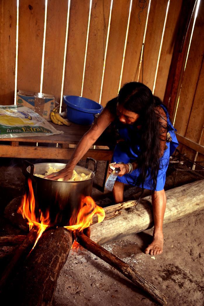 De nunkui a Luisa la tecnica tradicional de elaborar chicha de yuca3-Paola Alexandra Moreno Campoerde-Ecuador
