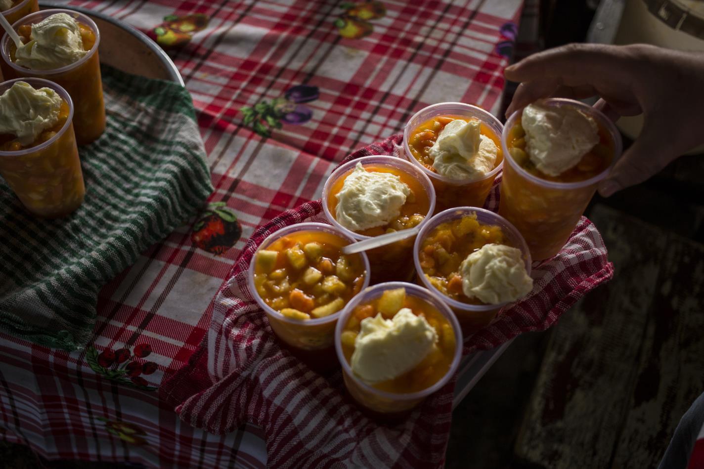 Ensalada de fruta con crema-Santiago Andrés Carneri Tamaryn-Paraguay